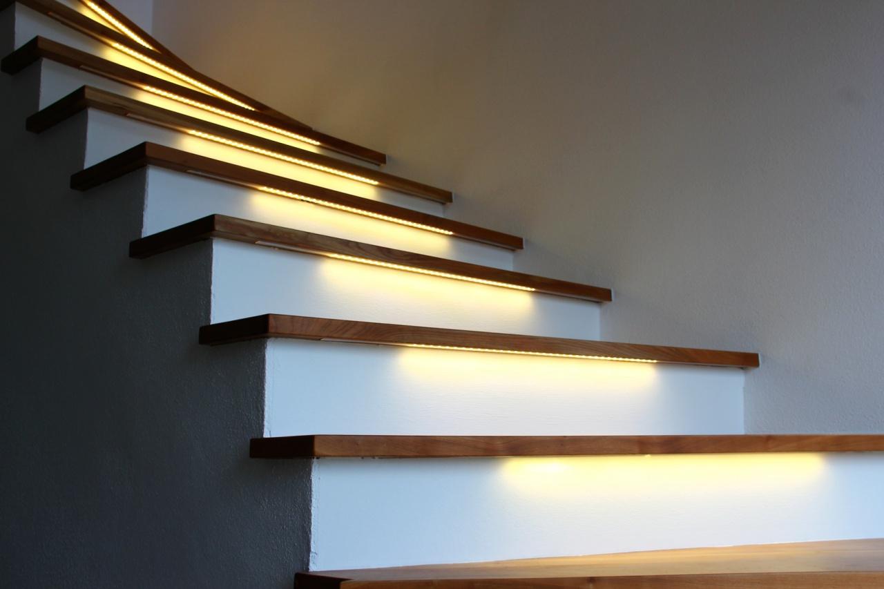 oswietlenie-led-schody