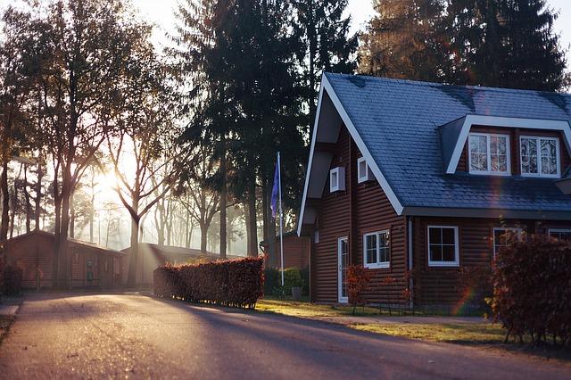 houses-1150022_640
