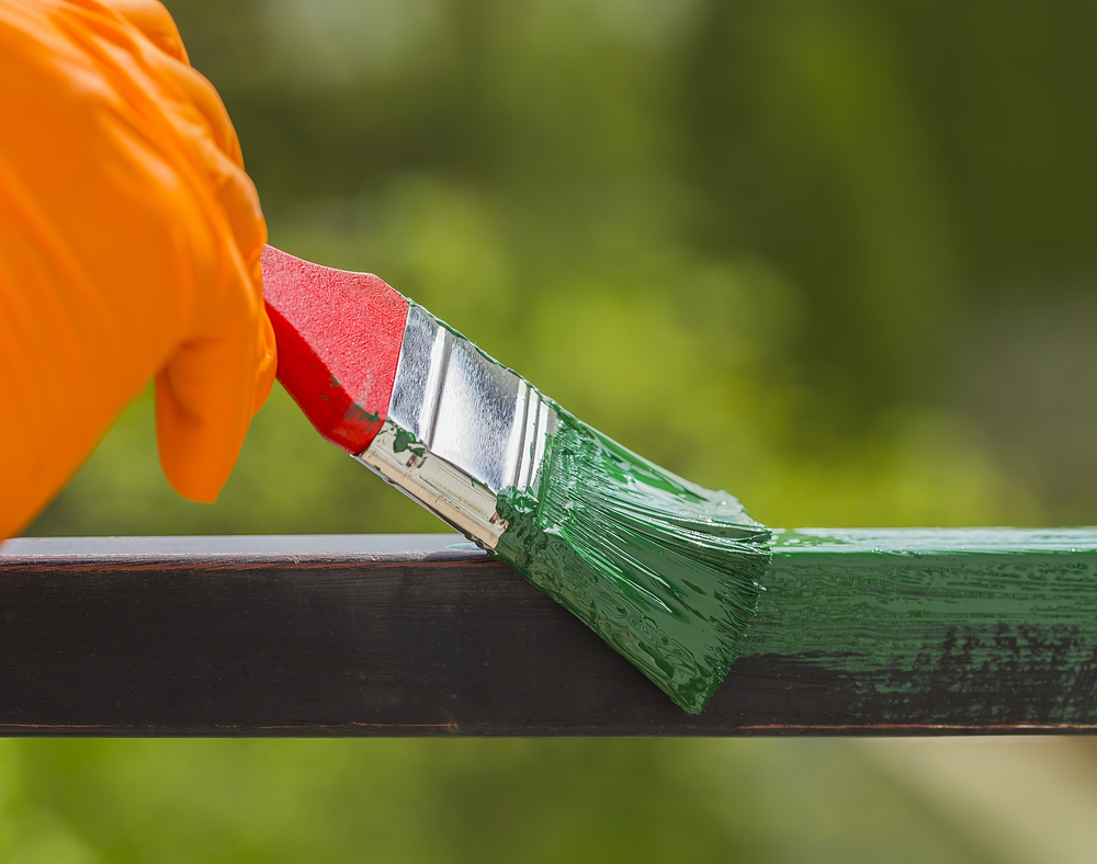Farba do ogrodzeń metalowych – malowanie